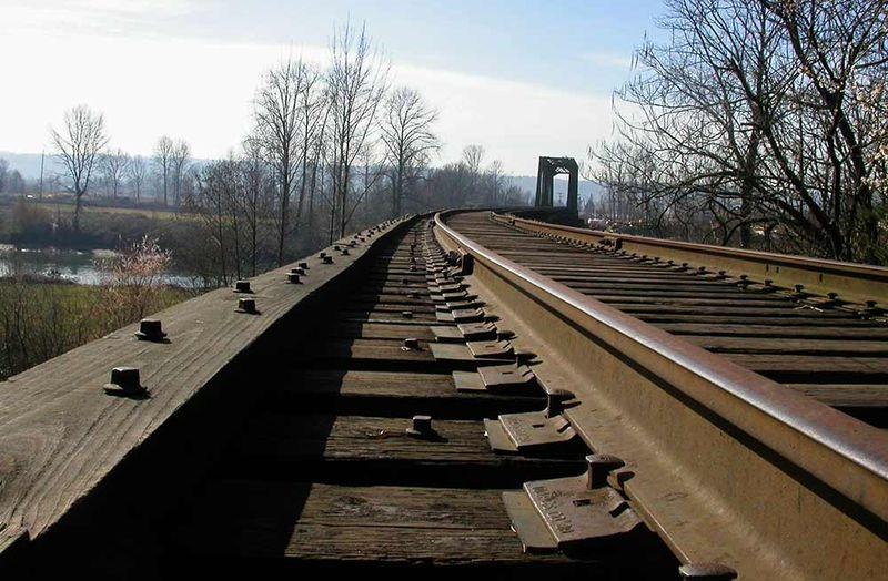 Snohomish-railway-tracks