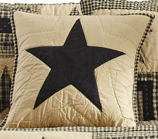 Black-and-tan-quilted-star-pillowL